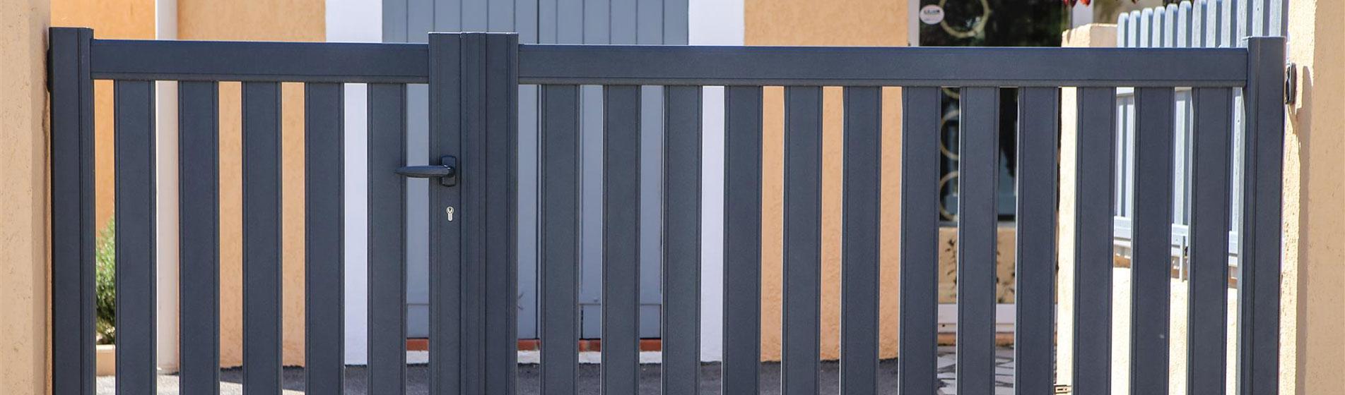 pose portail battant aluminium motoris devis gratuit. Black Bedroom Furniture Sets. Home Design Ideas